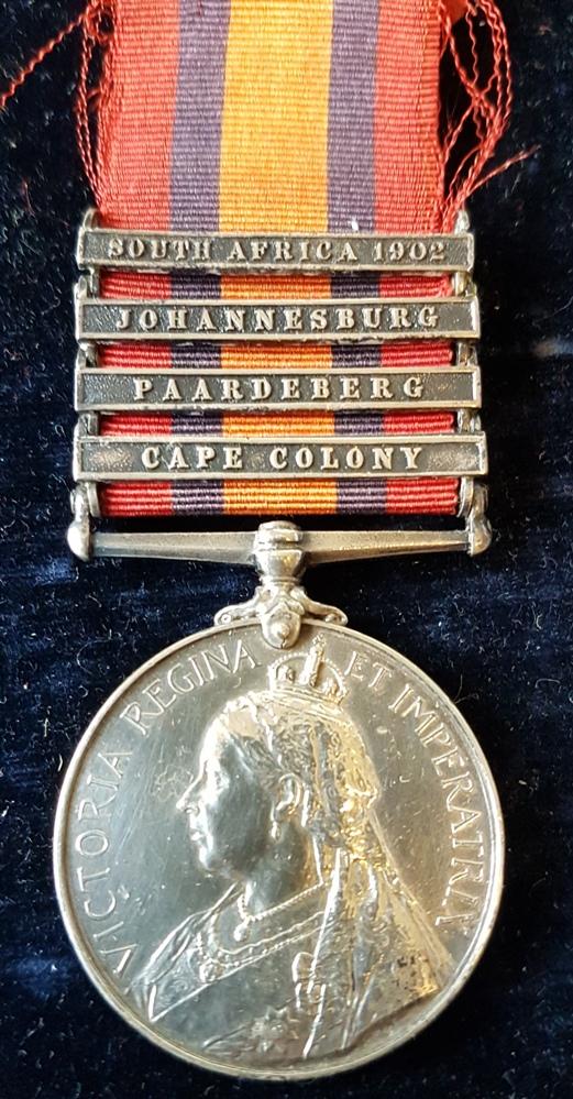 3525 PTE. W. ENGLEFIELD. Hampshire Regiment